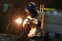 Confiança do empresário da indústria na economia atinge maior índice desde 2011