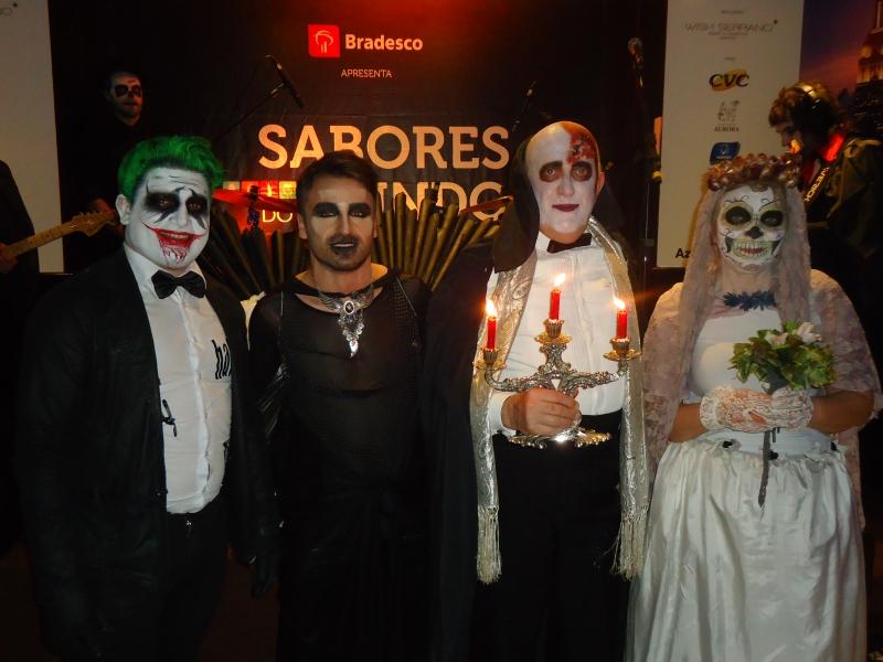 Antônio Camurça, Gilson Moraes, Gilnei Casagrande e Noeli Mazzocchi foram os vencedores do concurso de fantasias