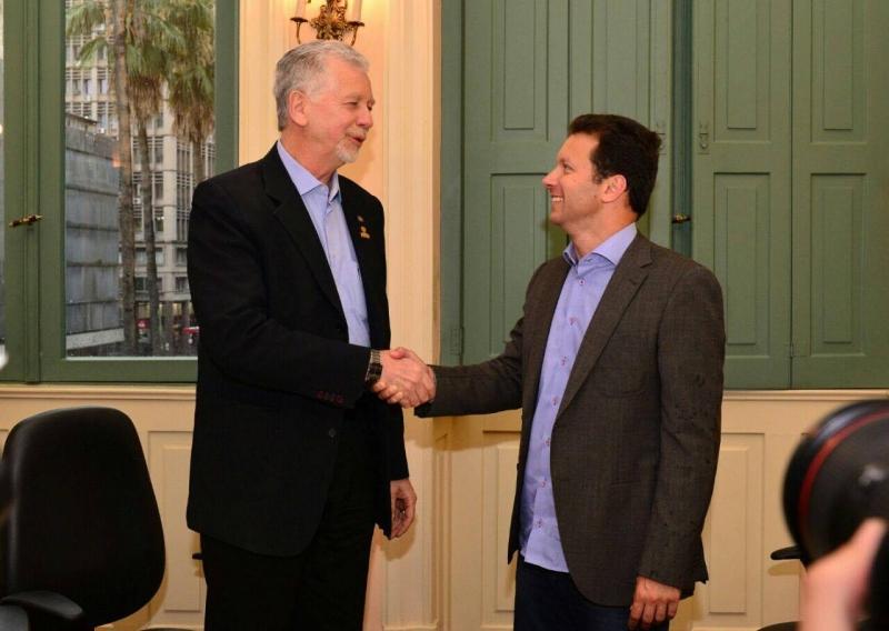 Fortunati recebeu o futuro prefeito Nelson Marchezan em seu gabinete
