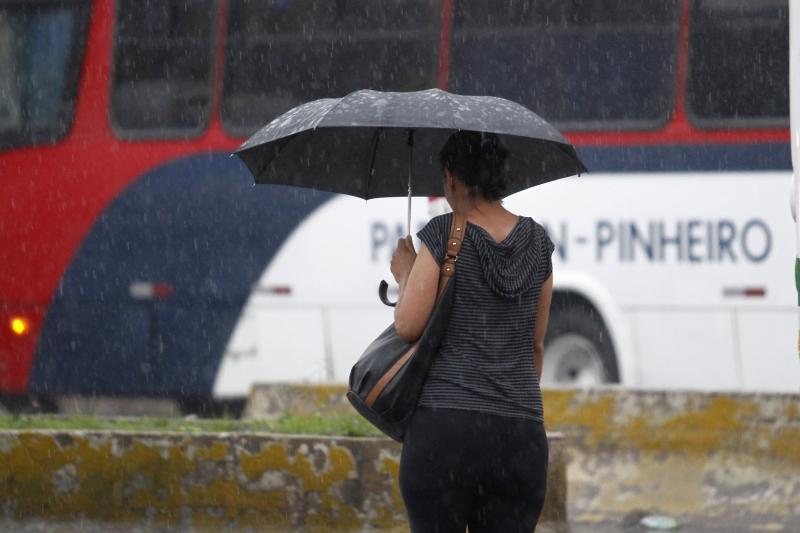 Ventos podem atingir até 60 km/h nesta terça de Carnaval na capital gaúcha
