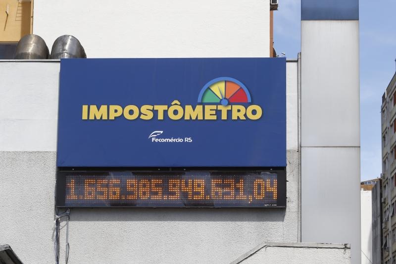 Dados ficarão expostos no alto do prédio da Fecomércio-RS