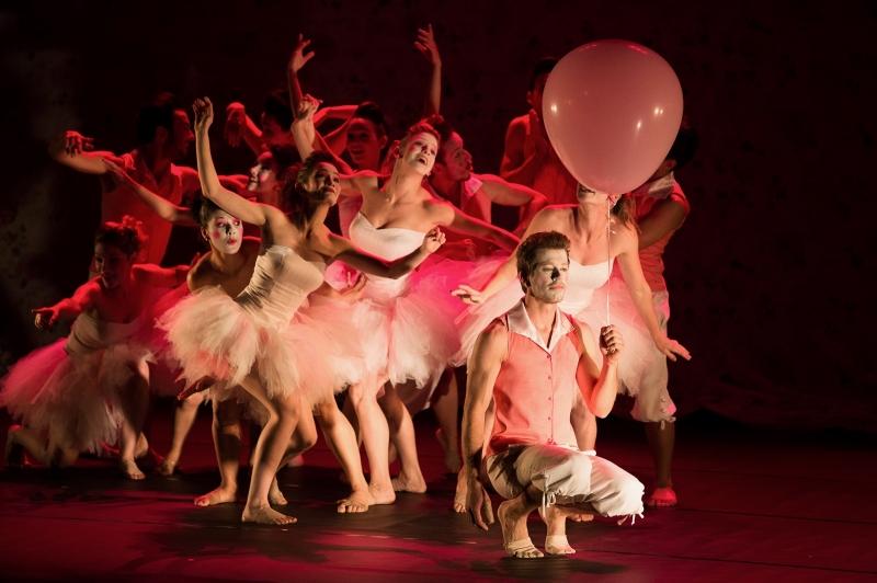 Companhia Malma apresenta Muito prazer... Piaf no Theatro São Pedro