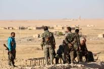 Batalha pela capital do EI deve iniciar em dias, dizem curdos