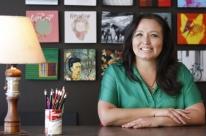 Eternizar imagens e textos em quadrados vira principal negócio de empreendedora