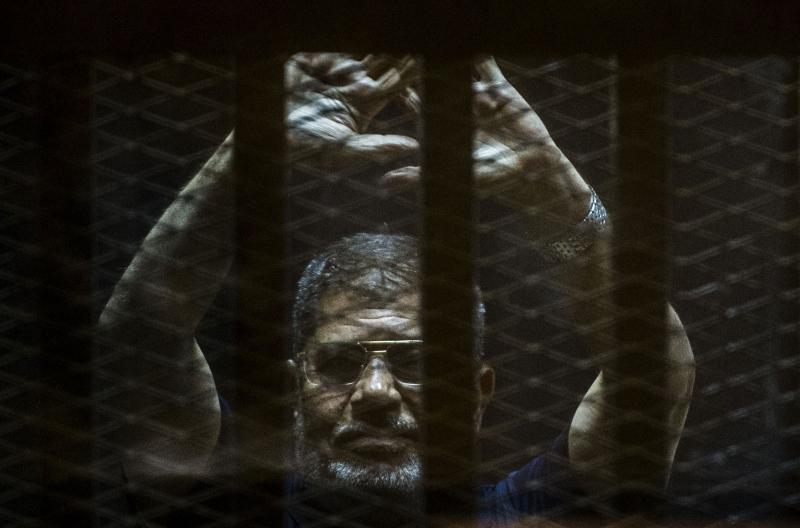 Morsi, o primeiro presidente democraticamente eleito do Egito, foi deposto por militares em 2013