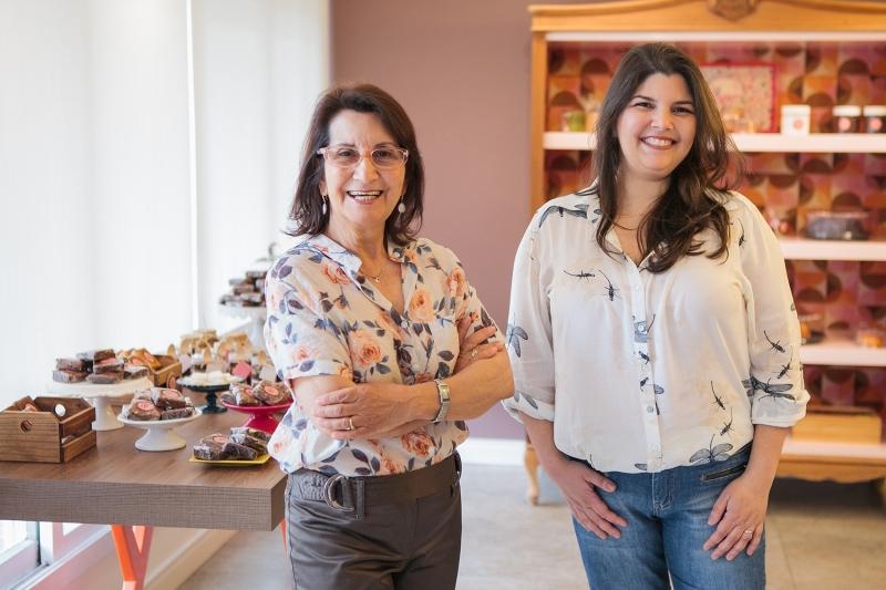 Lucila e Hélade são as empreendedoras à frente da loja
