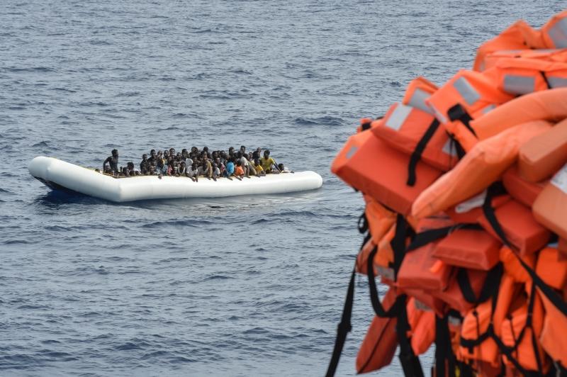 De acordo com a OIM, mais de 341 mil pessoas chegaram à Europa pelo Mar Mediterrâneo neste ano