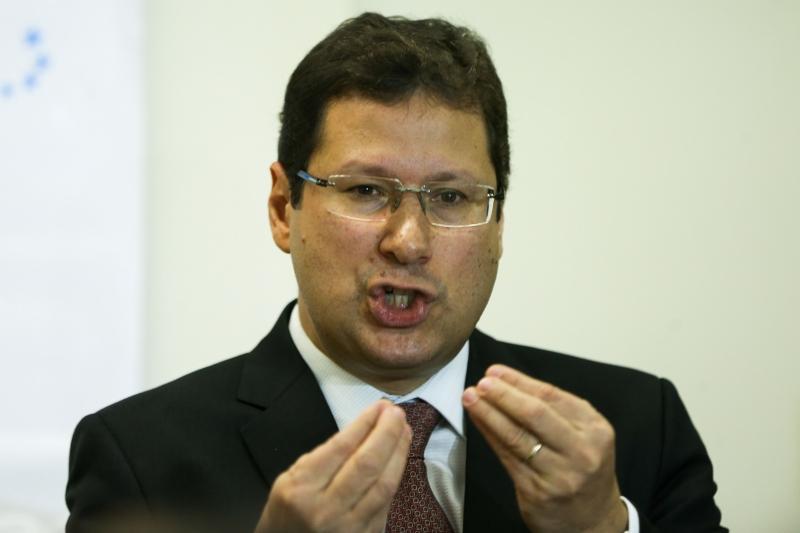 O presidente da Comissão de Ética Pública da Presidência da República, Mauro de Azevedo Menezes,informou que cinco conselheiros declararam voto pela abertura de um processo