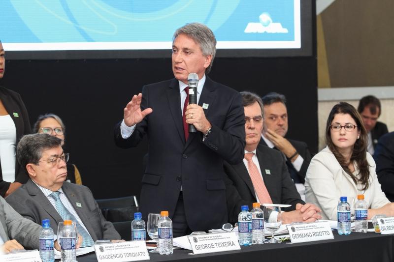 Germano Rigotto, defendeu que a reforma da Previdência só seja enviada ao Congresso Nacional após o fim da votação da PEC dos gastos públicos