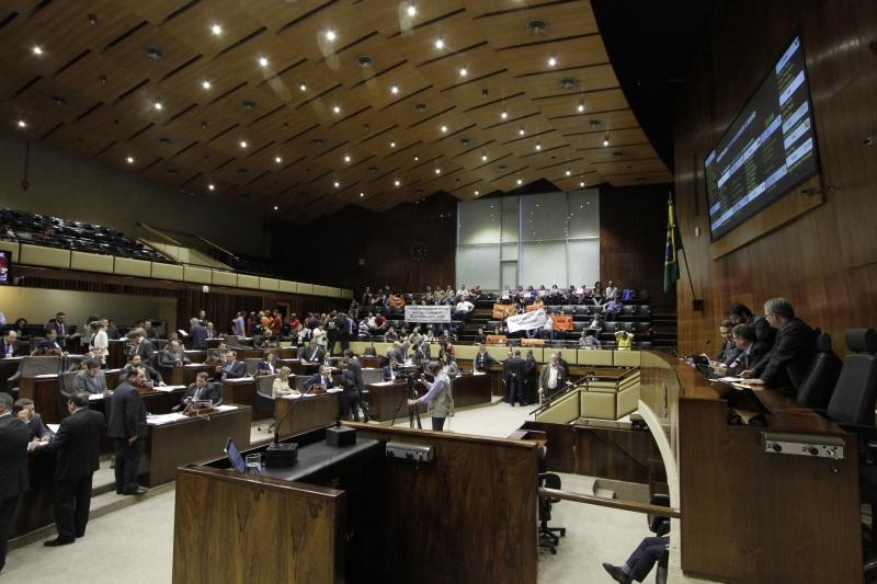 Além das três propostas que obstruem a pauta, outros 59 textos estão aptos à apreciação em plenário