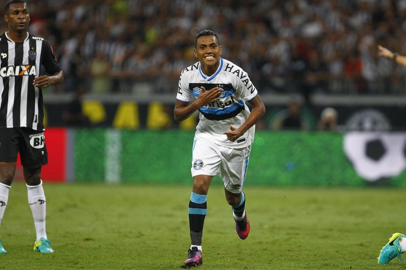 Personagem da partida em Minas, atacante Pedro Rocha marcou duas vezes e foi expulso de campo