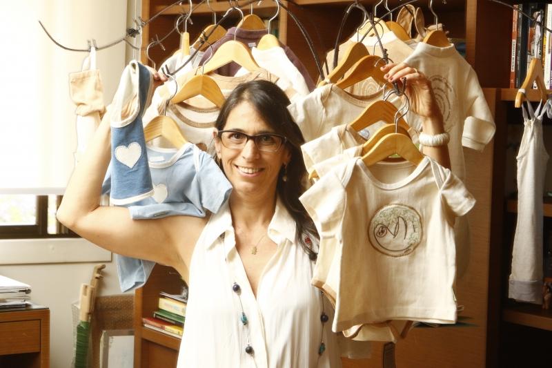 Beatriz Kats, proprietária da empresa Green is Great que vende enxovais ecológicos.