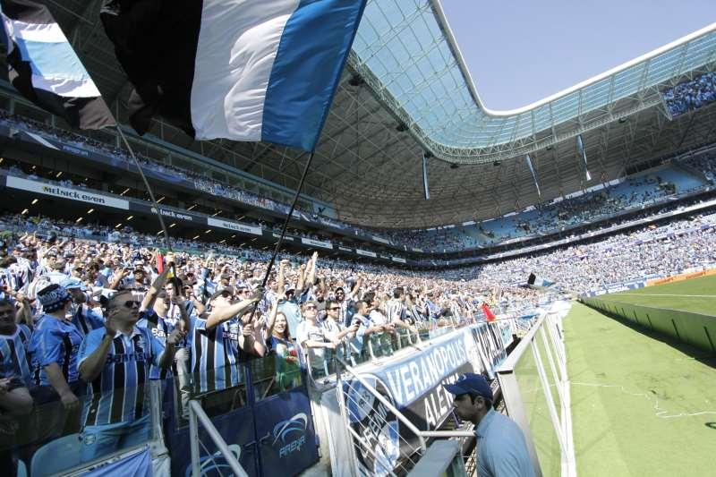 Grêmio faz novo acordo com Lanús e abre venda de mais mil ingressos. Em  menos de cinco horas 2022addb6f85c