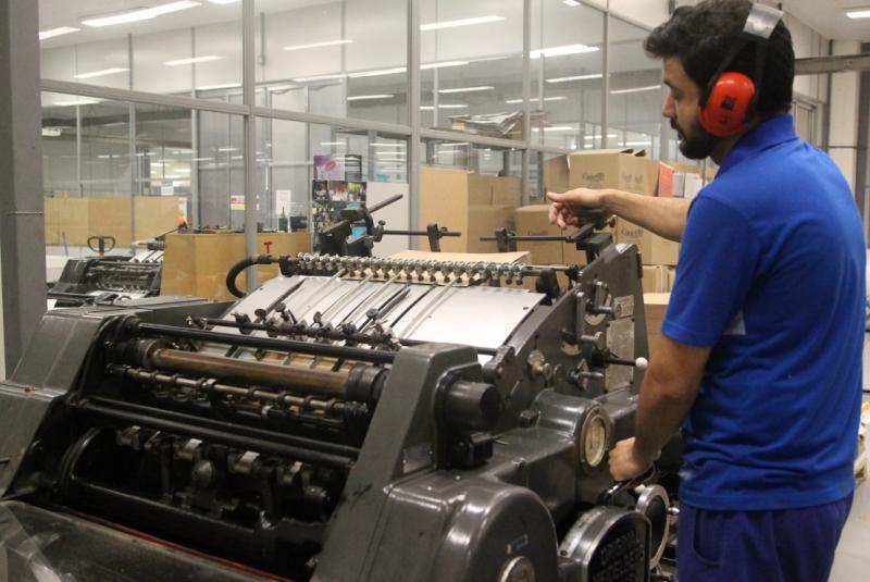 Companhia afirma que gera dividendos de R$ 7,6 milhões ao caixa, mas Piratini alega déficit de R$ 700 mil