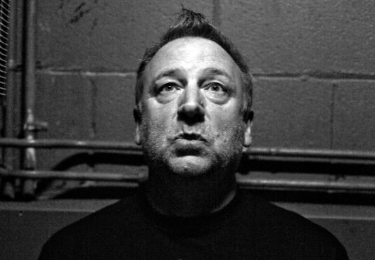 Peter Hook relembra repertórios do Joy Division e New Order em show no Opinião