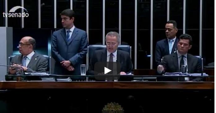 Reprodução de sessão do Senado onde estão Renan Calheiros e Sérgio Moro