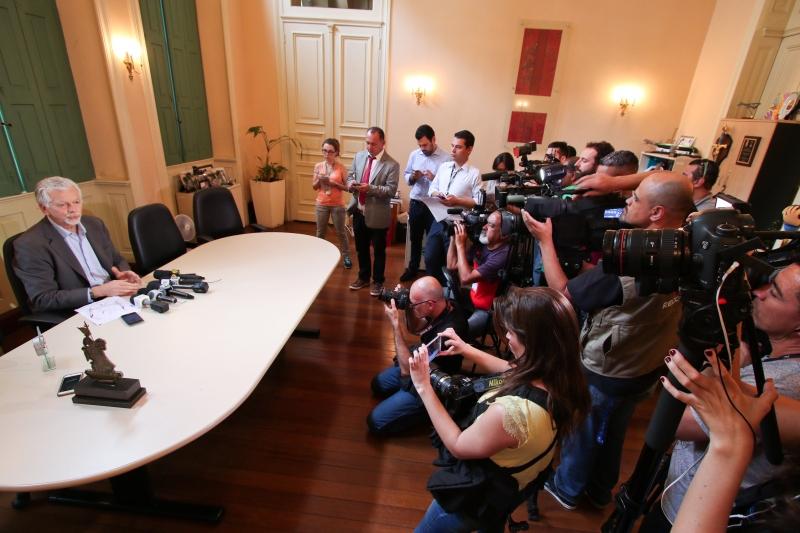 Porto Alegre, RS - 02/12/2016 Prefeito José Fortunati concede coletiva sobre as finanças do Executivo Local: Gabinete do prefeito Foto: Joel Vargas/PMPA