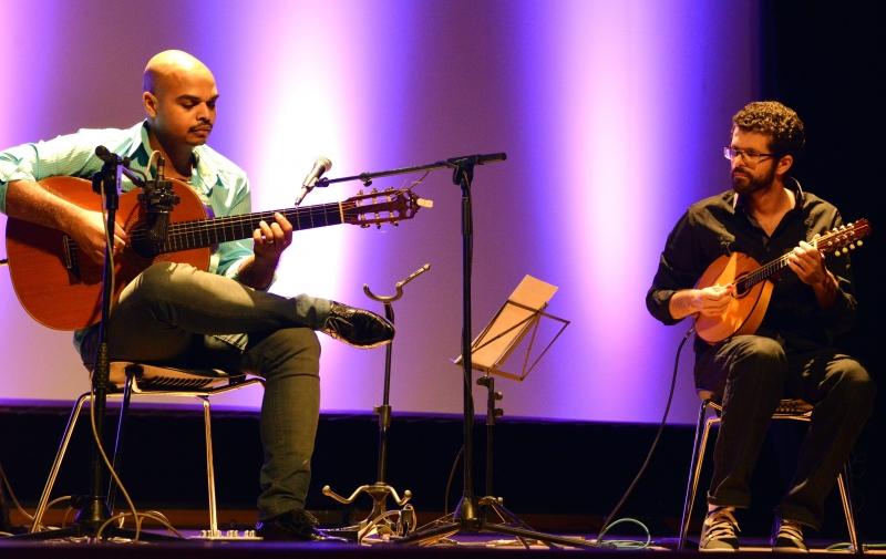 Marcel Powell e Daniel Migliavacca se apresentam no Instituto Ling