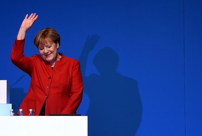 Líder alemã disse que vestimenta muçulmana deveria ser proibida 'onde quer que seja legalmente possível'