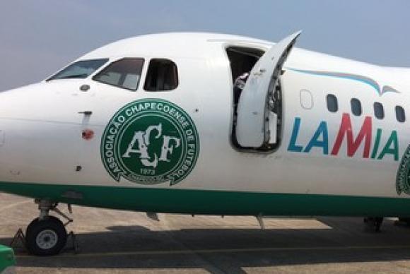 A hipótese mais provável é que a aeronave tenha sofrido uma pane seca, ou seja, não tinha combustível