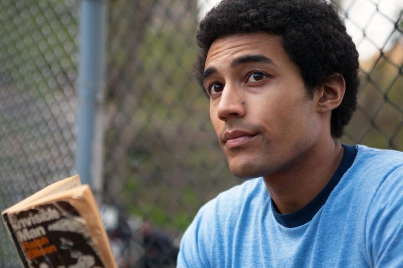 Devon Terrell interpreta Barack Obama na adolescência