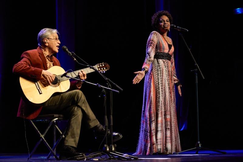 Caetano Veloso e Teresa Cristina se apresentam hoje no Auditório Araújo Vianna