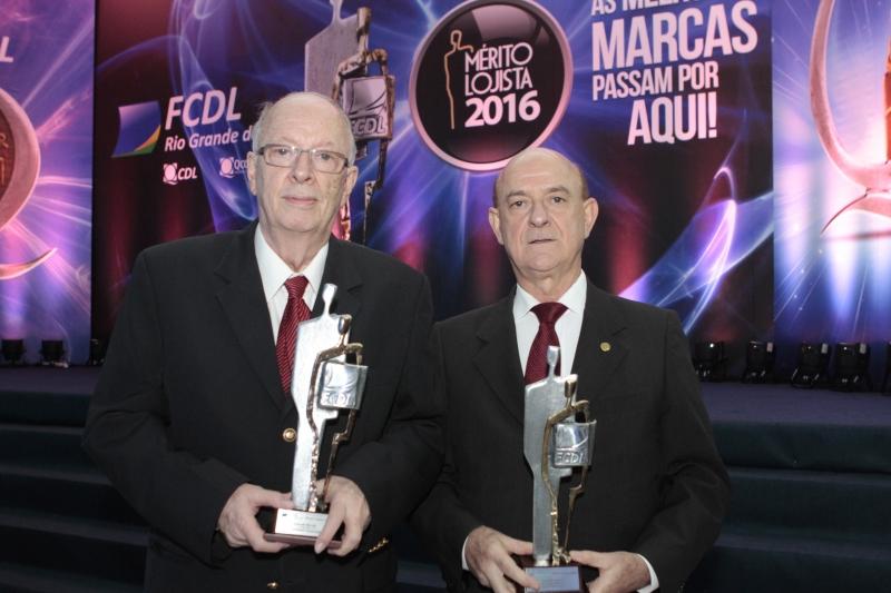 Entrega do Prêmio Mérito Lojista a Fernando Albrecht e Luiz Borges