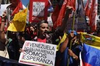 Sem convite, chanceler venezuelana é barrada em reunião na Argentina