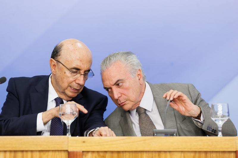 (Brasília, DF 15/12/2016) Presidente Michel Temer com o Ministro da Fazenda, Henrique Meirelles, durante entrevista coletiva para anuncio do pacote de medidas econômicas..Foto: Beto Barata/PR