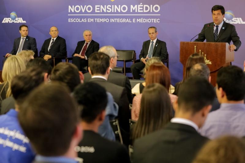 O presidente Michel Temer participa da cerimônia de liberação de recursos para o ensino técnico e fomento às Escolas em Tempo Integral, no Palácio do Planalto