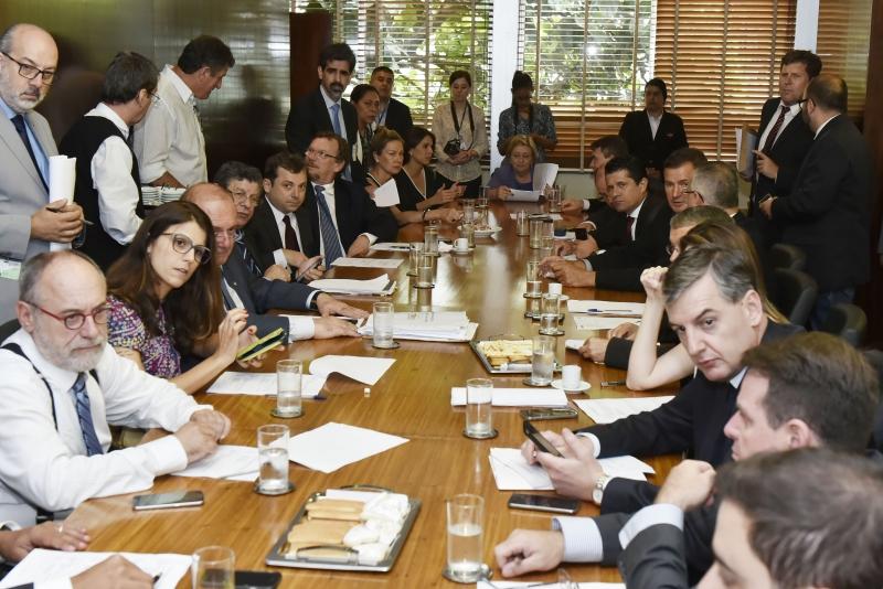 Reunião das lideranças foi realizada no final da manhã e coordenada pela presidente da Casa, deputada Silvana Covatti (PP),