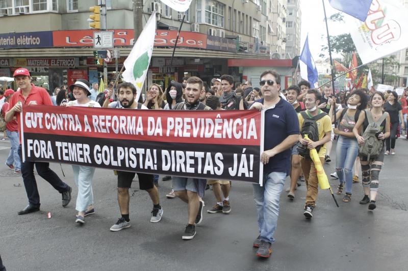 Em Porto Alegre, protestos marcaram a terça-feira