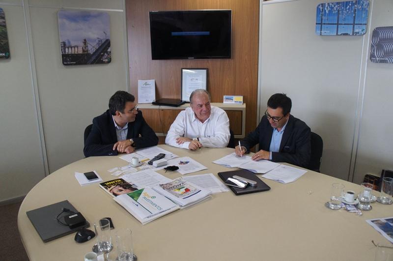 A reunião ocorreu no gabinete do secretário da Sdect, Fábio Branco, em Porto Alegre