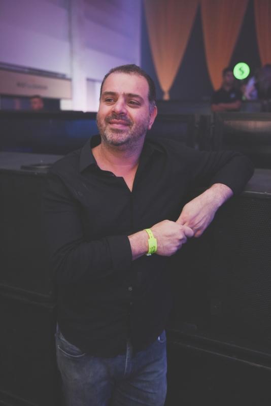 Douglas Ramos de Oliveira é um dos nomes à frente da X Music, espaço de festas de Xangri-lá