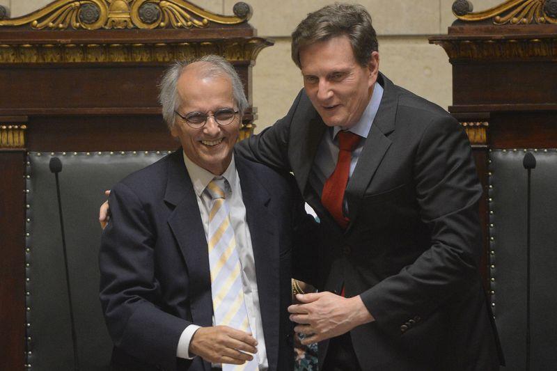 Rio de Janeiro - O prefeito eleito Marcelo Crivella e seu vice, Fernando Mac Dowell, são empossados na Câmara de Vereadores. (/Agênci Brasil)