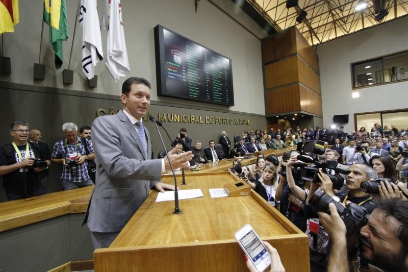 Em discurso na cerimônia de posse no Legislativo da Capital, Nelson Marchezan Júnior destacou que o foco da administração será a vida real