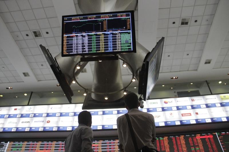 Feriados internacionais reduziram fortemente a liquidez da bolsa