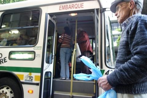 Idade mínima para isenção de passagem de idoso sobe para 65 anos em Porto Alegre