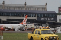 Neblina suspende pousos e decolagens no aeroporto Salgado Filho