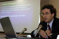 'Privatizar alivia, mas não resolve', afirma economista