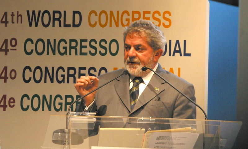 Luiz Inácio Lula da Silva participava de palestras para vender o País