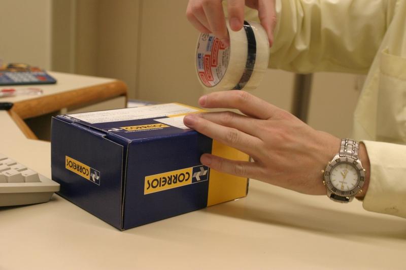 Embalagem de Sedex nso Correios.Foto Flavia de Quadros - 12/07/2004
