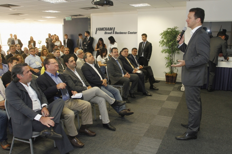 Na Amcham, prefeito de Porto Alegre falou sobre crise do município e conclamou a classe empresarial