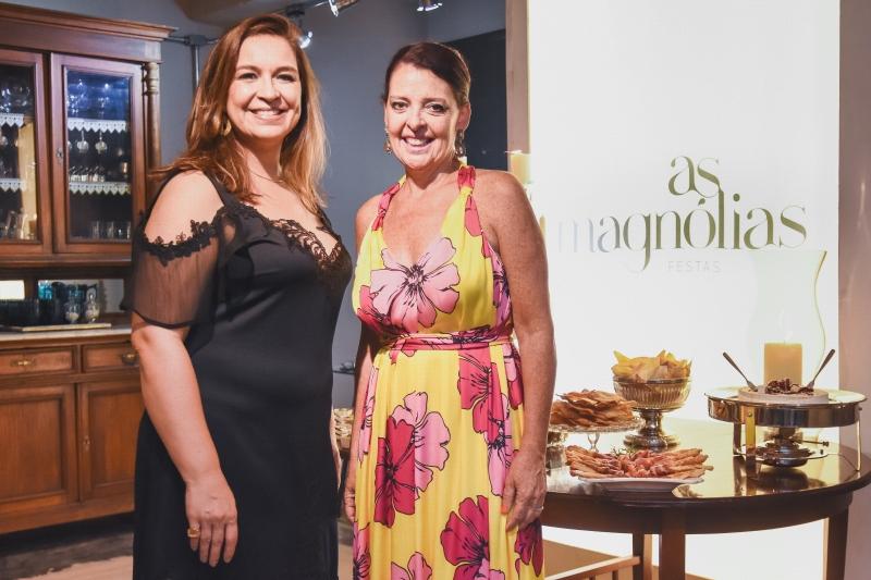 As Magnólias Adriana Silveira e Ana Toledo na recepção aos convidados