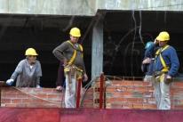 Pesquisa da CNI diz que indústria da construção está menos pessimista