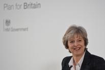 Theresa May espera que negociações do Brexit tenham progresso até dezembro