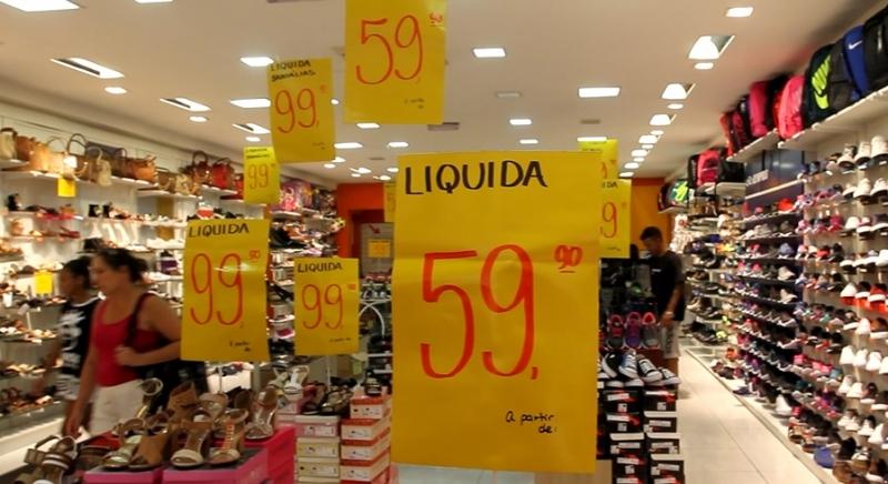 Compras cartão ou dinheiro, consumidores, diferenciação de preços MP que autoriza Porto Alegre varejo lojas Centro Porto Alegre