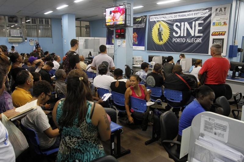 Brasil gerou 77,8 mil empregos em janeiro