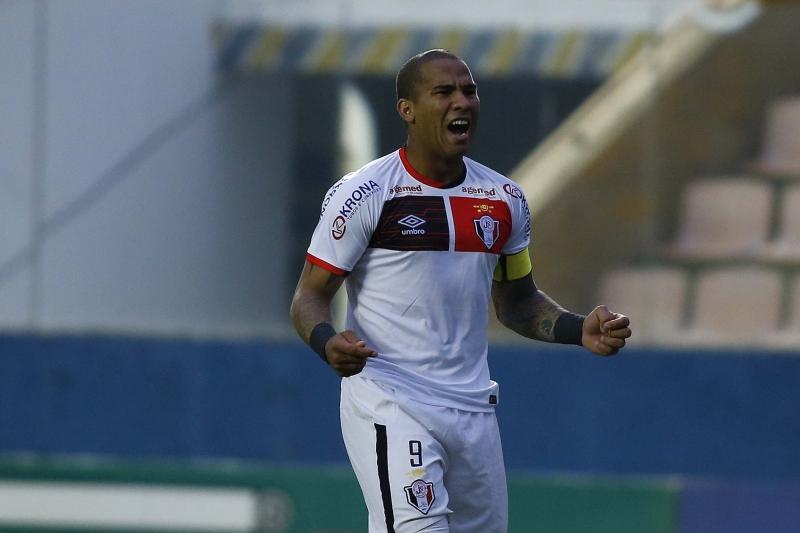 Jogador de 28 anos defendeu o Joinville na última temporada