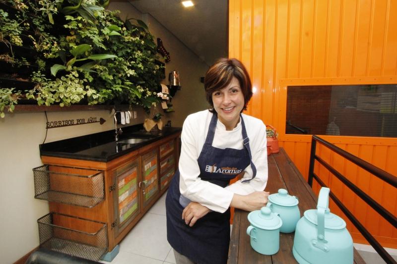 GeraçãoE  Entrevista com Natalie Machado, chef do Studio dos Aromas, sobre mudança de carreira (Natalie era RP).
